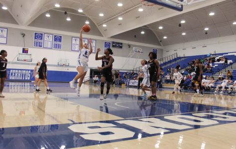 Women's basketball secures win in close game against Compton College