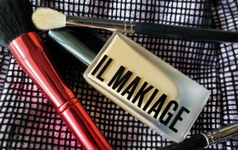 Il Makiage is light in consistency but gives you a light-weight airbrushed look. This is in the shade #120 I Woke Up Like This Photo credit: Rebecca Aguila