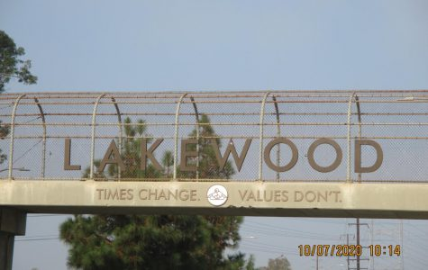 The City of Lakewood displays the City motto in various  places.  This is the bridge that runs across Del Amo Blvd. October 7, 2020.
