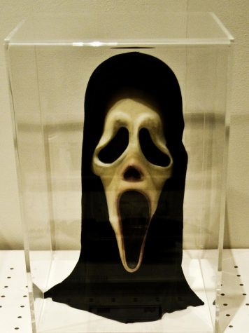 This is the original mask used in the 1996 film, Scream. The prop was displayed at ExpoSYFY, in San Sebastian, Spain.