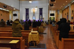 Saint John of God church in Norwalk held an indoor service on Feb. 17, 2021. The audience is required to social distance and wear a mask. Photo credit: Vincent Medina