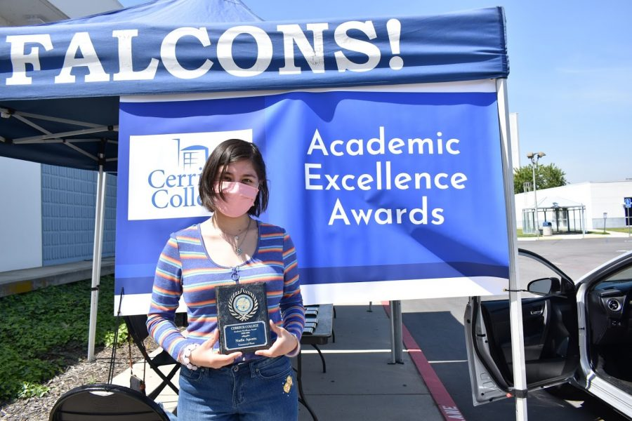 Nadia Aponte accepts her award for Academic Excellence on April 5, 2021. He received the award for Commercial Music.