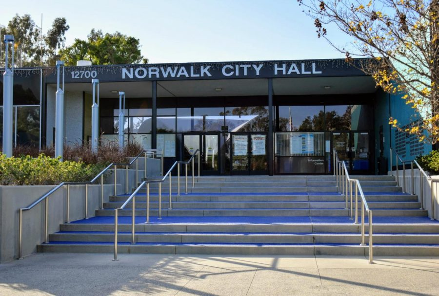 Norwalk+City+Hall+expanded+appointment+hours+on+April+6%2C+2021.+Appointments+at+city+hall+can+now+be+made+Mon+-+Thu+and+every+other+Fri+between+9+am+and+5+pm.+Photo+credit%3A+Vincent+Medina