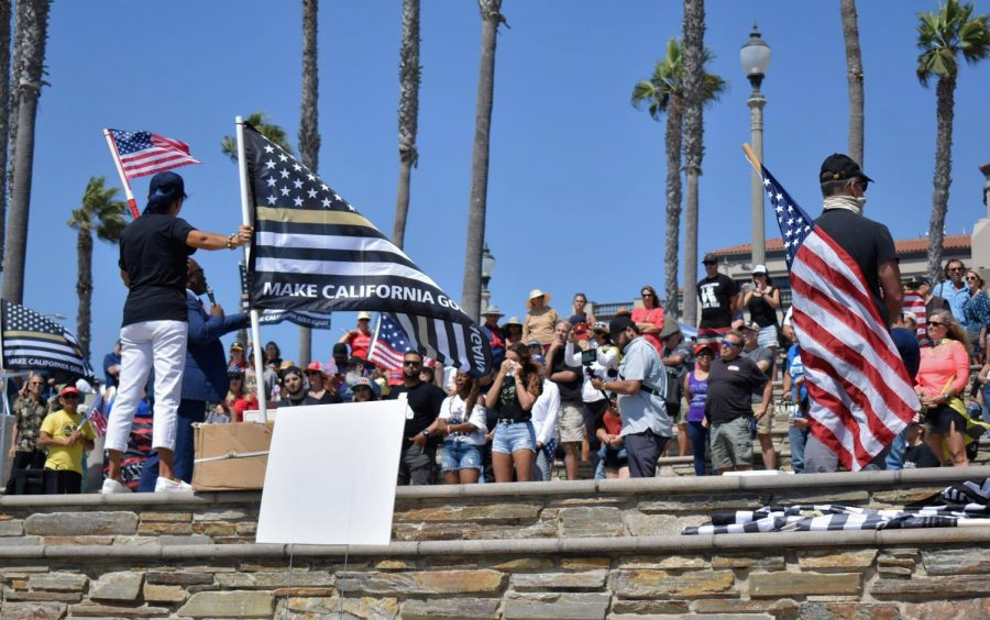 Protestors+rally+against+Californias+mask+and+vaccine+mandates+in+Huntington+Beach+on+Aug.+29%2C+2021.+They+advocated+for+the+recall+of+California+Governor+Gavin+Newsom.+