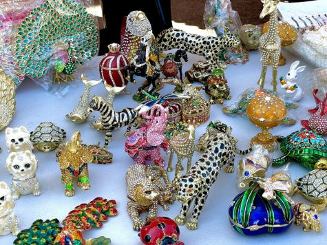 Jewel studded decorations featuring various exotic animals. Pries ranging from $5 to $50 depending on the size of the item. Oct. 2, 2021.